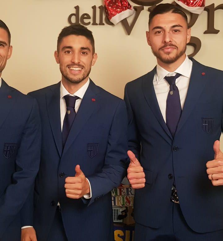 Ulturale diventa fashion partner del Parma Calcio.  La divisa ufficiale ha ora un'esclusiva cravatta del brand.
